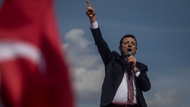 Turkey to rerun vote in Istanbul following opposition win 17