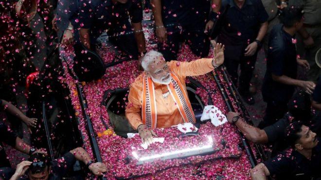 Narendra Modi takes landslide win 25