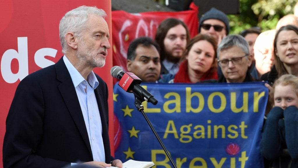 UK's Labour must back new vote between 'leave' and 'remain' on Brexit 1
