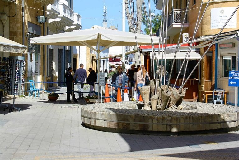 Greek Cypriots using crossing points outnumber Turkish Cypriots 16