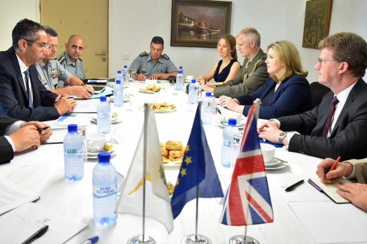Defence Minister briefs British counterpart on Turkish activities in Cyprus' EEZ 12