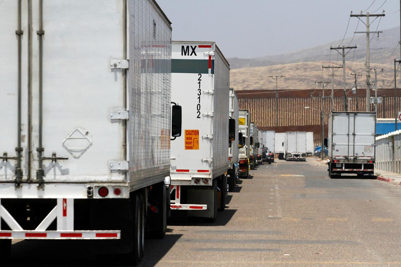 Trump calls off tariffs after Mexico vows to tighten borders 19