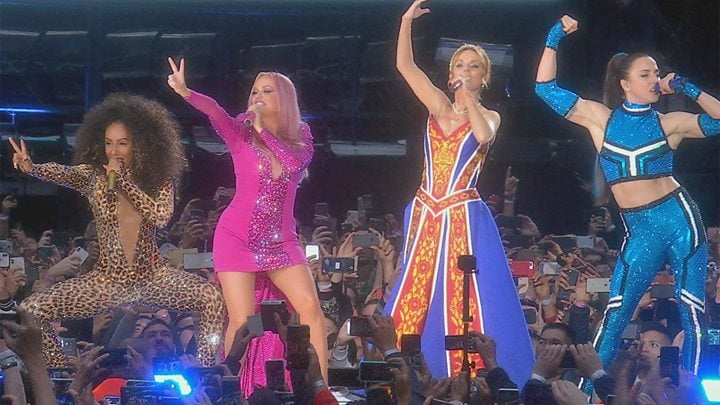 Spice Girls: Geri apologises for quitting in 1998 1