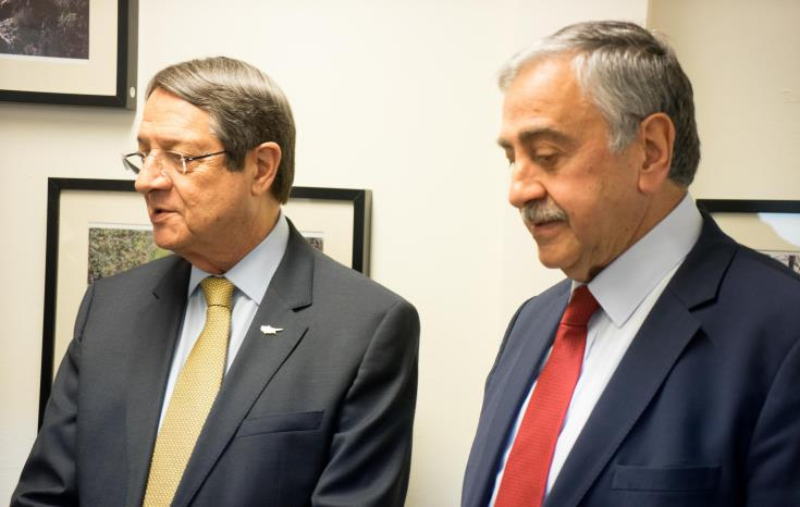 Anastasiades receives Akinci's proposal for co-management of natural resources 1