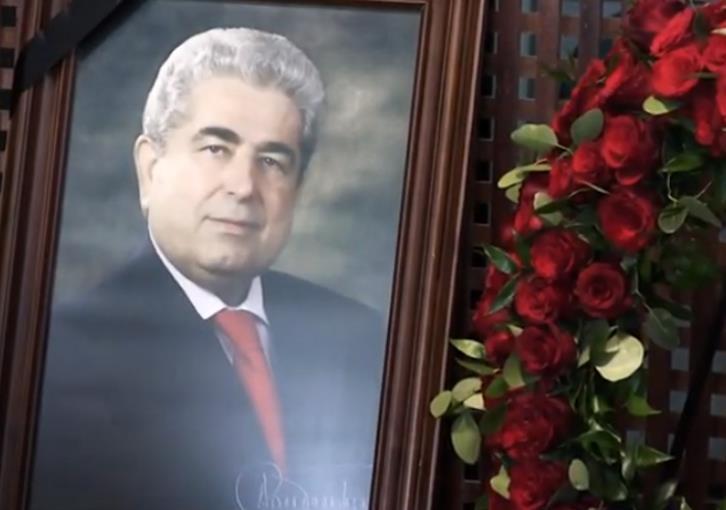 Attempt to desecrate Christofias' grave slammed 1