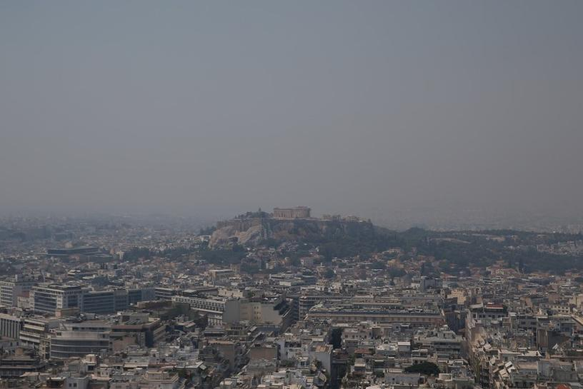 Wildfire rages on Greek island Evia, smoke reaches Athens 1