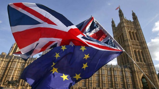 Brexit: Election discussions in No 10 amid Brexit battle 15