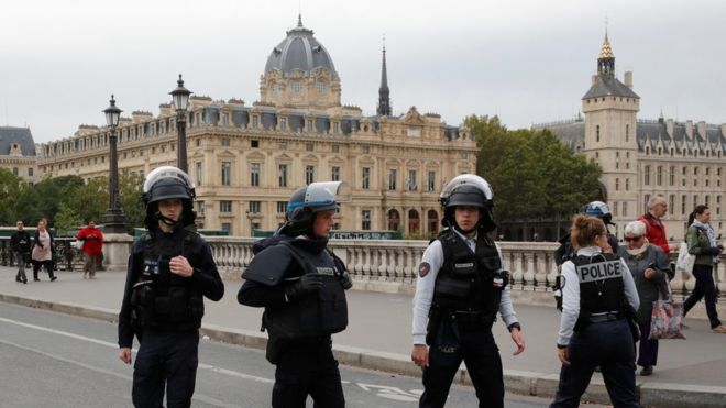 Paris police attack: 'Four killed' by knife-wielding man 1