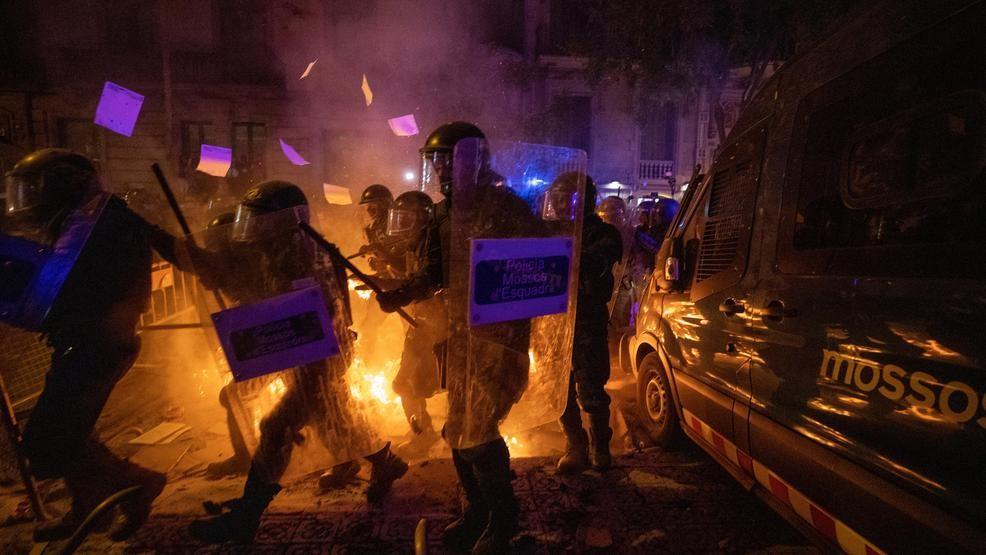 Catalan protests: Region's president urges immediate halt to violence 1
