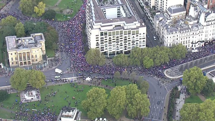 People's Vote march: Tens of thousands in 'final say' Brexit protest 10