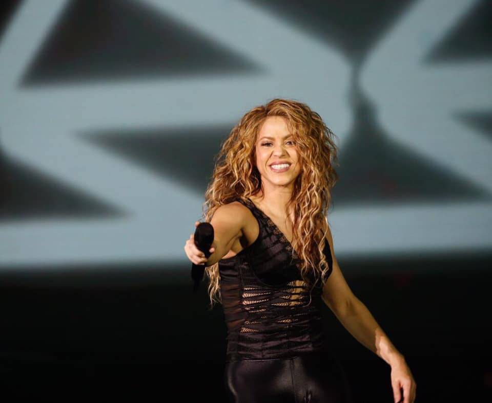 Shakira's The new El Dorado Live Concert Album 4