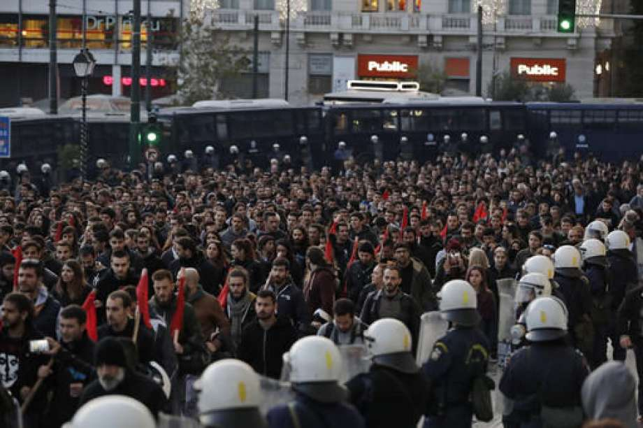 Greeks march to mark anniversary of 1973 student revolt 2