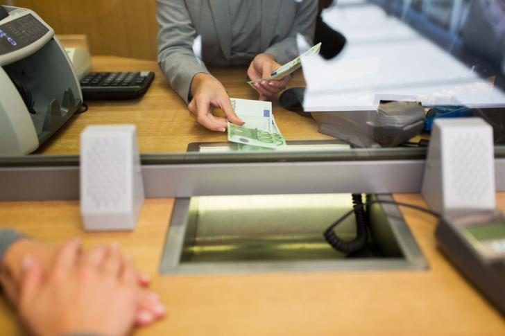 Bank of Cyprus closes 11 stores 1
