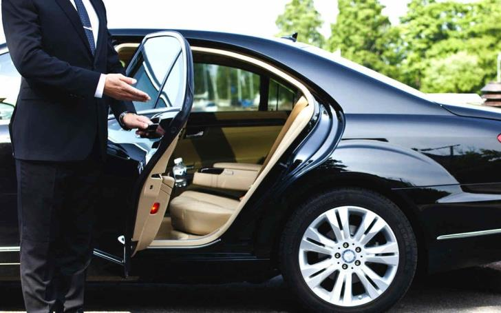 Assistant Auditor General demands salary increase and limousine 13