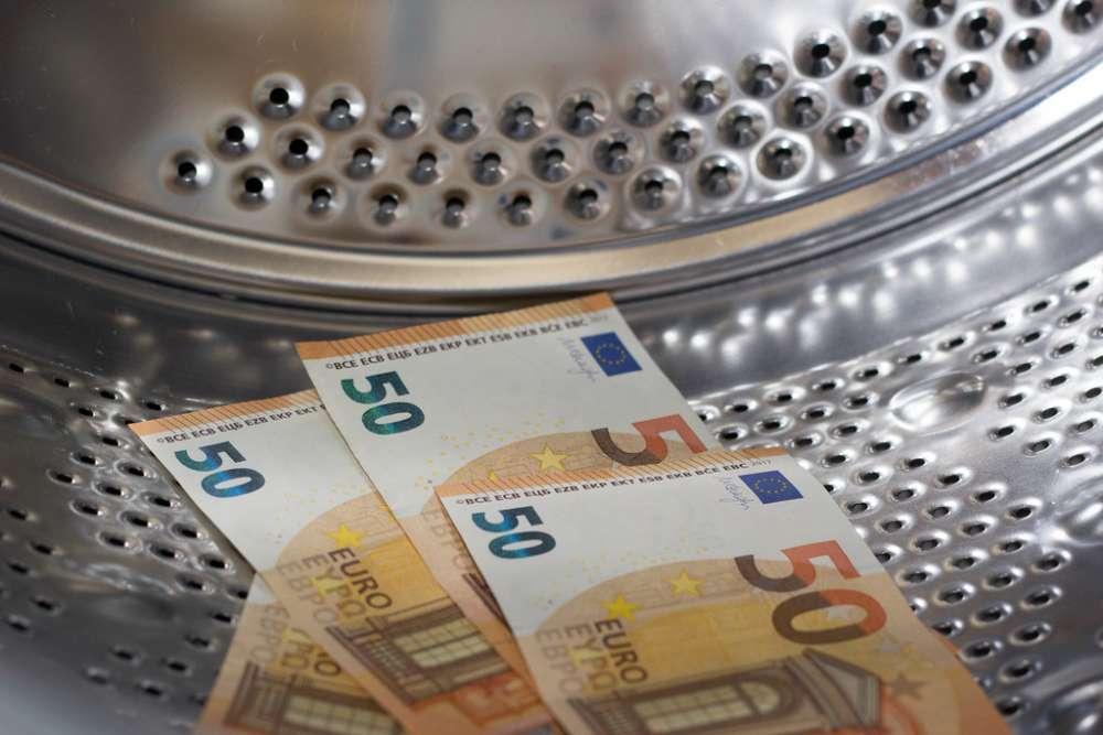 EU's largest states push for joint supervisor against money laundering 1