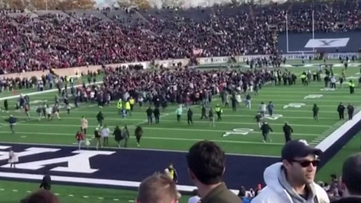 Harvard-Yale football game disrupted by student climate protest 1