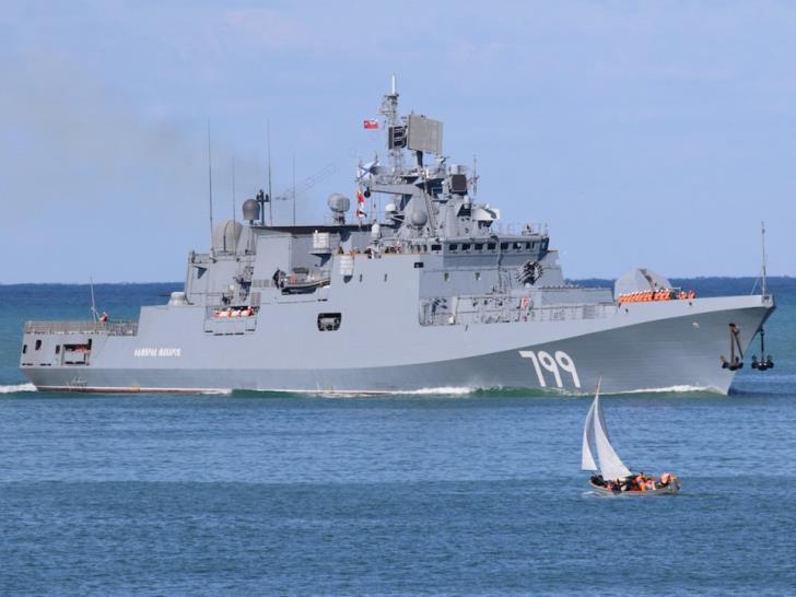 Russian frigate Admiral Makarov docks at Limassol port 1