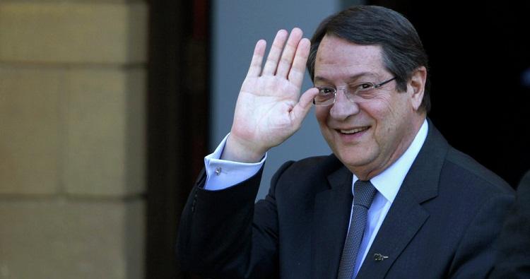 Cyprus president regrets taking free flight for family trip 1