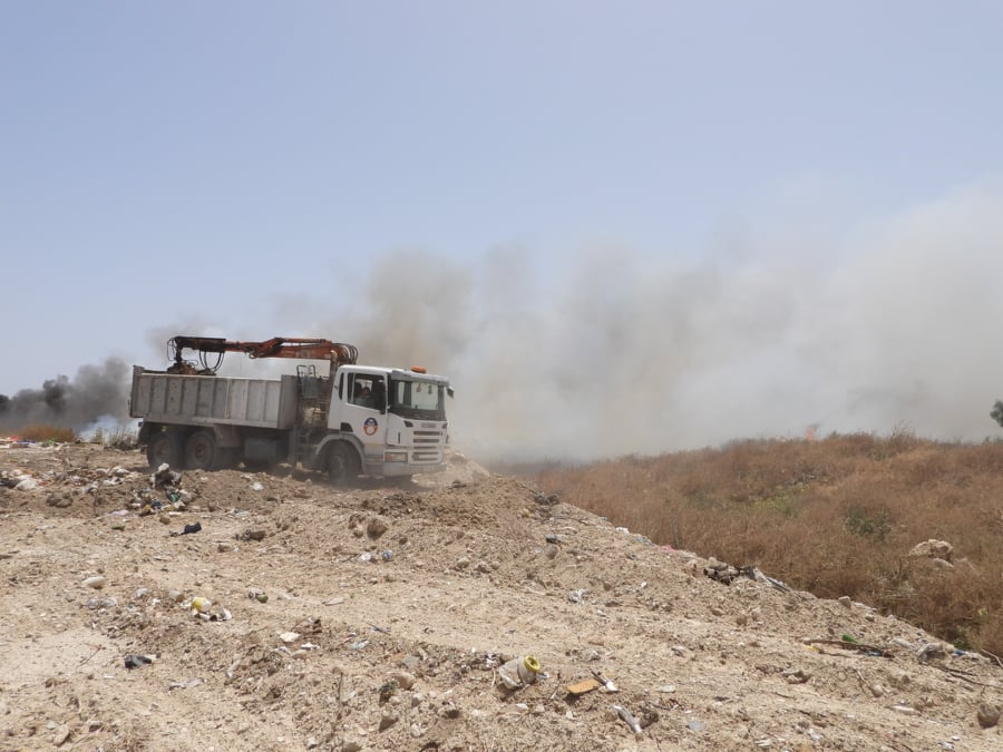 Iskele Dump on fire and moving fast (Photo Video) 33