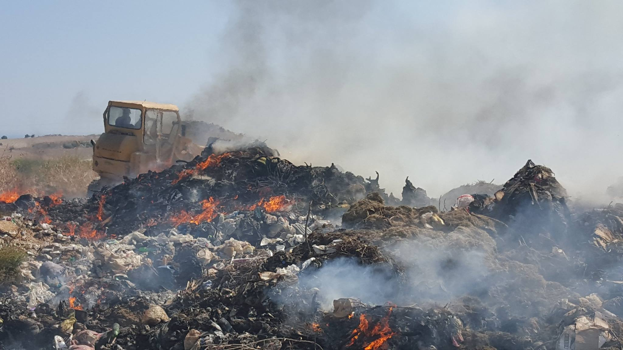 Iskele Dump on fire and moving fast (Photo Video) 30