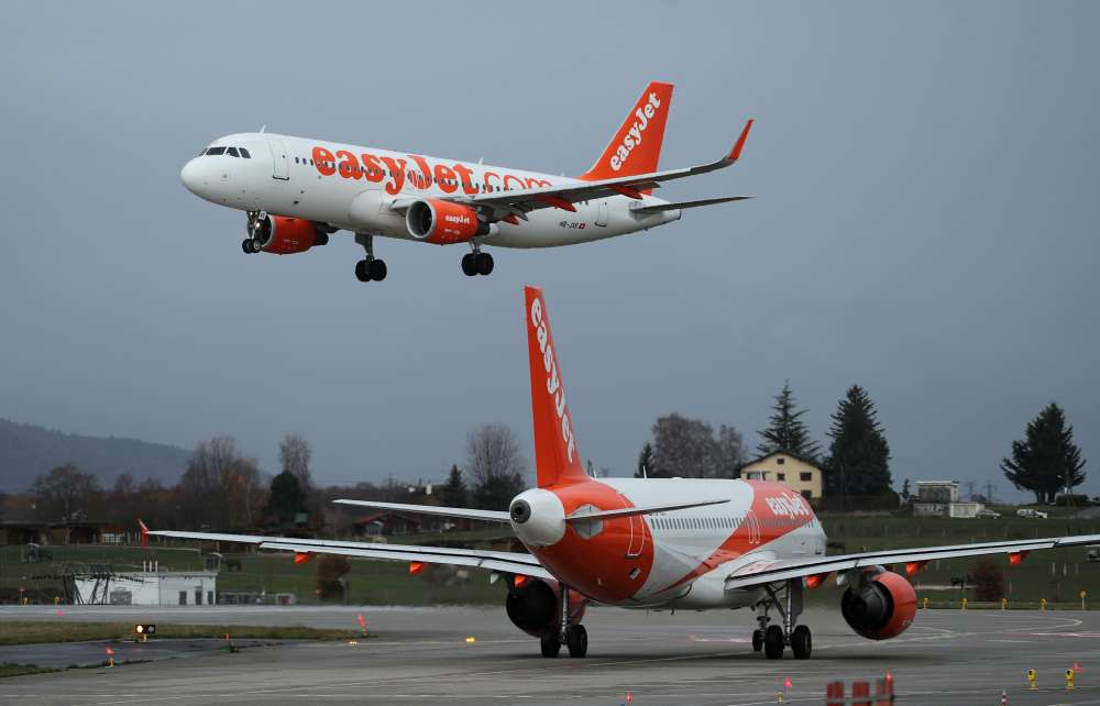 EasyJet to restart flights in June with compulsory masks 11