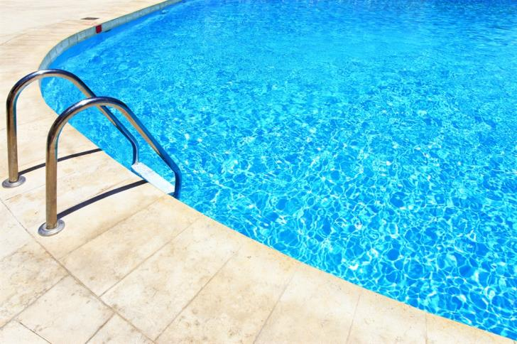 South Cyprus: Outdoor pools open with max of 10 people, team games not allowed 15