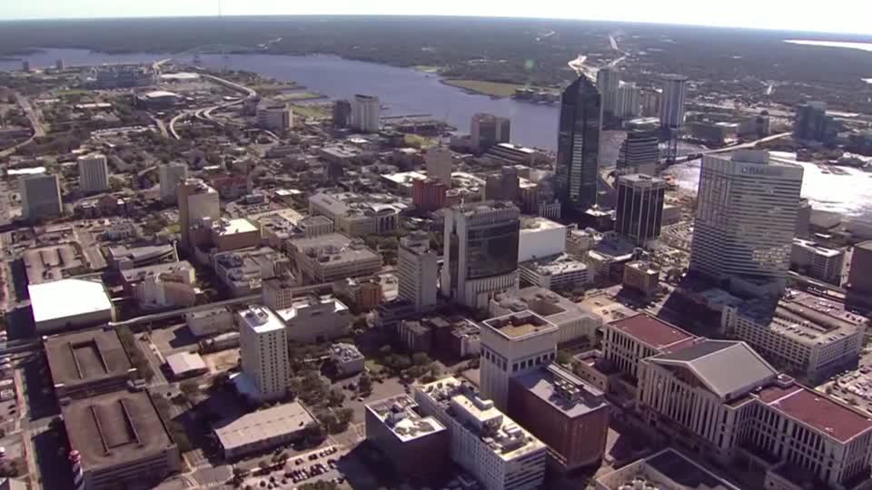 Florida virus surge threatens Trump's RNC plans