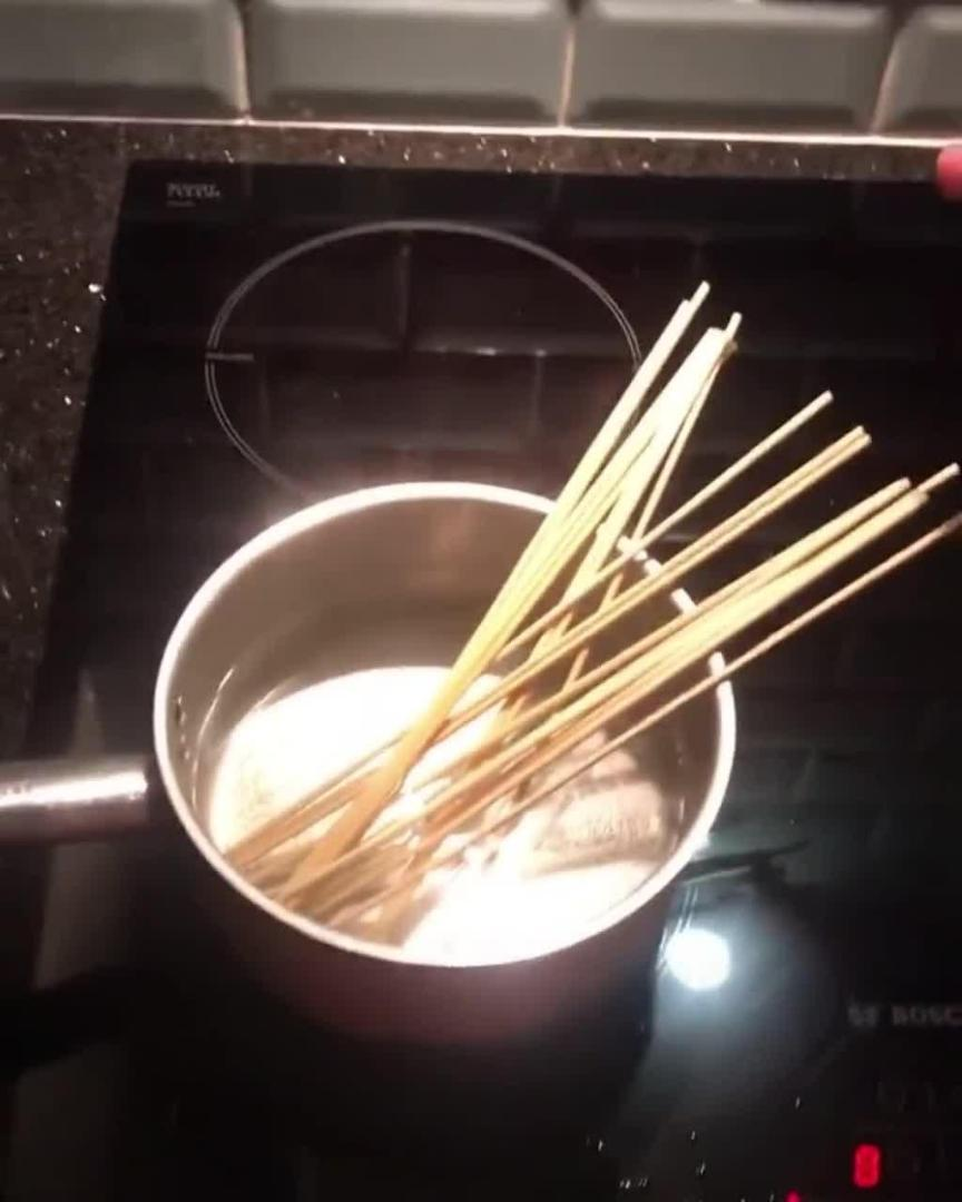 Girl Confuses Cocktail Sticks With Spaghetti Noodles and Starts Cooking Them in Boiling Water