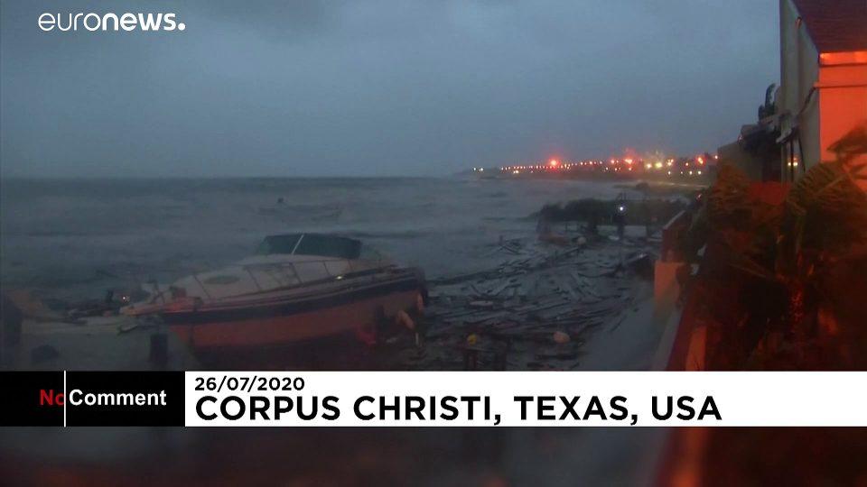 Hurricane Hanna lashes Texas's COVID-19 hit coast