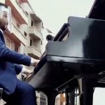 Brazilian Pianist Performs from Moving Truck for Quarantined Mothers