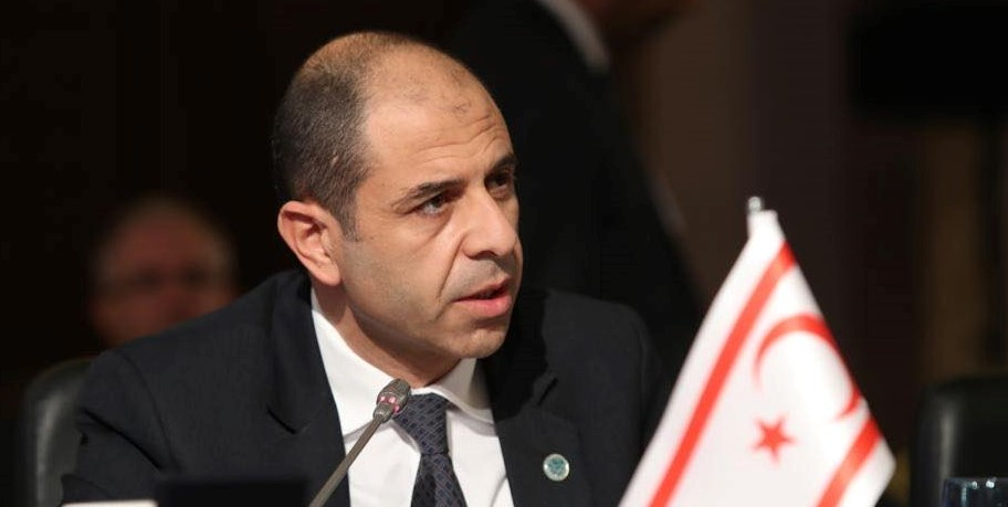 """Minister Özersay: """"I will not confine the Turkish Cypriots to the negotiation table"""" 15"""